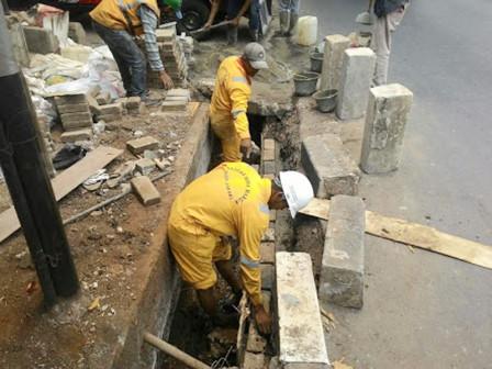 South Jakarta Bina Marga Repairs 701 Channels' Retaining Walls
