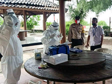 35 People of Pramuka Island Participate in COVID-19 Rapid Tests