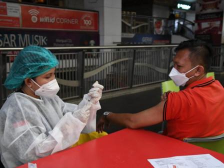 Fasilitasi Antusiasme Masyarakat, Pemprov DKI Tambah Kuota Vaksinasi di JAKI