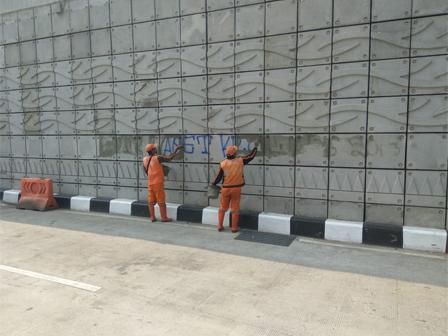 Graffiti on Mampang-Kuningan Underpass Cleaned