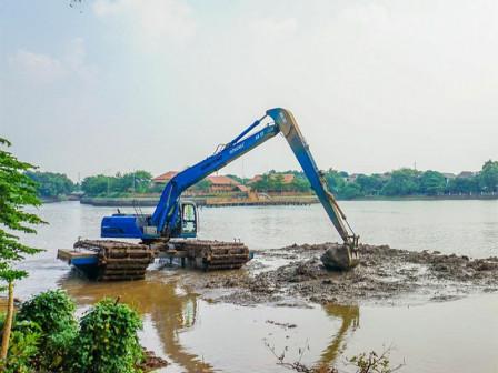 Mud Dredging Work in Setu Babakan Touched 80 Percent