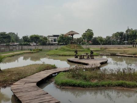 Fasilitas Taman Jalur Hijau Kosambi Ditambah