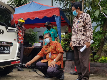 808 Vehicles Participated in Emission Test Held in West Jakarta