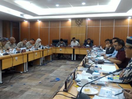 Commission B-KUMKMP Agency Discusses KUA-PPAS