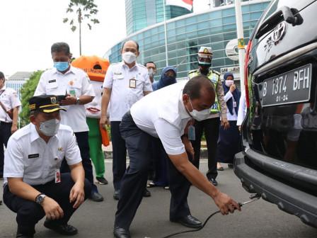558 Vehicles in West Jakarta Undergo Emissions Test