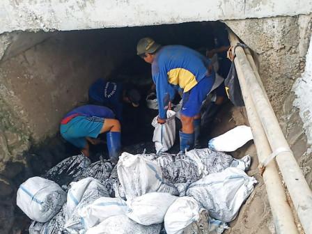 Box Culverts Dredging Work on Jalan Kelapa Kopyor Finally Completed