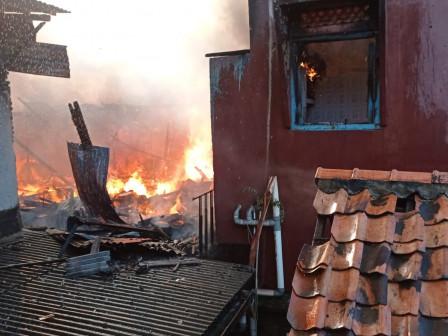 Kebakaran di Kampung Pulo Timbulkan Kerugian Materi Rp 1 Miliar