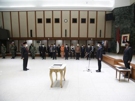 Lantik Sekda Marullah, Gubernur Anies Beri Amanat Tanggulangi Krisis di Masa Pandemi