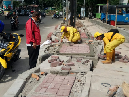 7,909 Damaged Sidewalk Points Repaired in South Jakarta