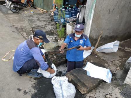 Channel in Kampung Melayu Kecil Dredged
