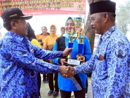 Kelurahan Pulau Kelapa Juara Umum Lomba Senam Tingkat Kabupaten