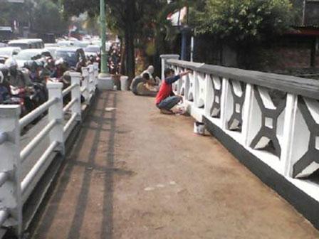 Mampang River Bridge Beautified