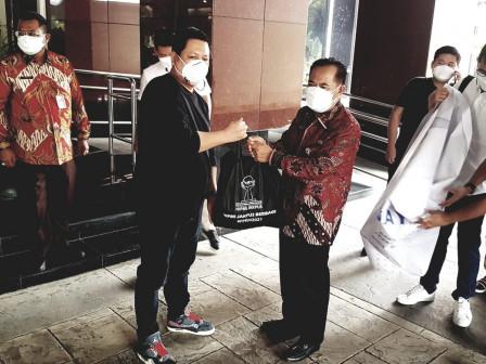 Pemkot Jakpus Terima Bantuan 1.000 Paket Sembako
