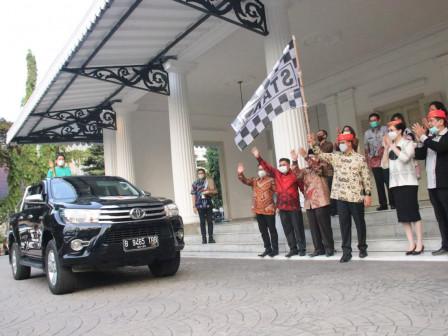 Lepas Kirab Obor Paskah Nasional 2021, Gubernur Anies Berharap Jakarta Jadi Simpul Tanah Air
