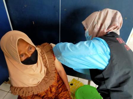 Gedung SKKT Pulau Untung Jawa Digunakan Untuk Layanan Vaksin Covid-19 bagi Lansia