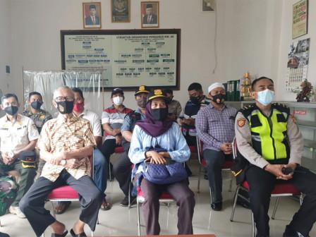 Kampung Tangguh Jaya RW 06 Semper Timur Perkuat Kolaborasi dalam Penanganan Covid-19