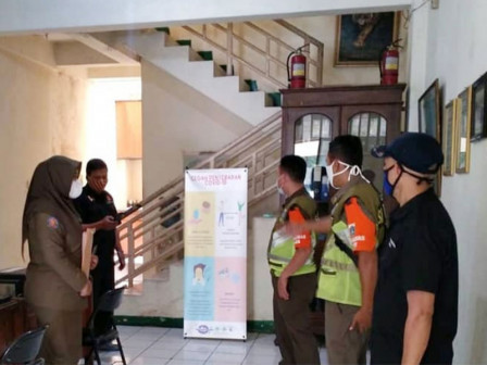 Satpol PP Intensifies PSBB Monitoring in Workplaces and Business Places