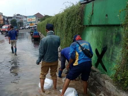 Tidal Floods Once Again Inundating Neighborhoods in North Jakarta