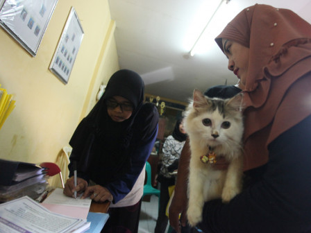 Rabies Vaccination Given to 52 Pets in Tebet