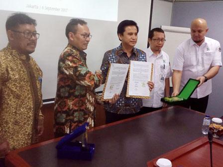 Jamkrida Jakarta and Pembangunan Sarana Jaya Deal on Surety Bond Cooperation
