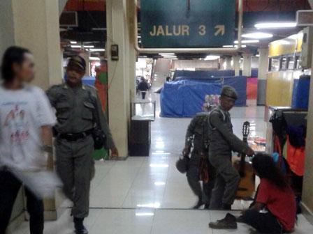 Dinsos DKI Selamatkan Anak Tersesat di Jalan
