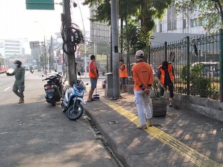 40 Punished for Not Wearing Masks at Kampung Melayu Terminal
