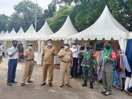 30 Jakpreneurs Enliven Ramadan Bazaar Held at Lokbin Munjul