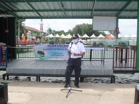 Regent Inaugurates Floating Restaurant in Pramuka Island