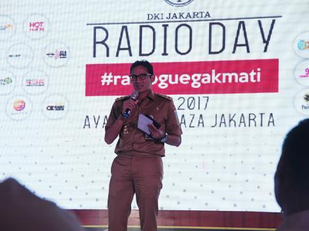 Sandi Attends Radio Day Celebration