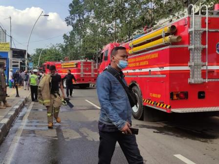 Sembilan Mobil Pemadam Atasi Kebakaran di Utan Kayu Utara