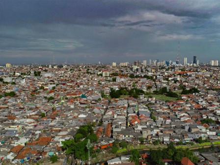 Light Rain Expected Across Parts of Jakarta