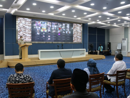 Wagub Ariza Apresiasi Bansos Ramadan dan Bantuan Modal Kerja UMKM Dari Kadin DKI