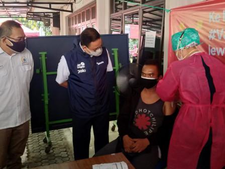 300 Warga Mendapatkan Layanan Vaksinasi di Gereja Kristen Jawa Gandaria