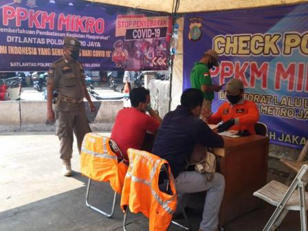 Kecamatan Kebayoran Baru Tertibkan Sembilan Pelanggar Tibmask