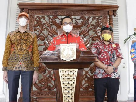 Peringati Hari Sepeda Sedunia, Gubernur Anies Gowes Bersama Para Dubes Negara Sahabat