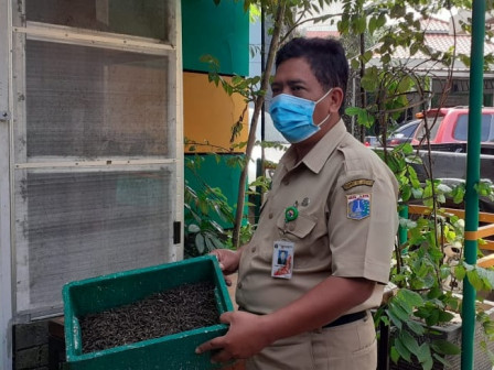 West Jakarta Targets to Build Five Waste Banks in Every Quarter