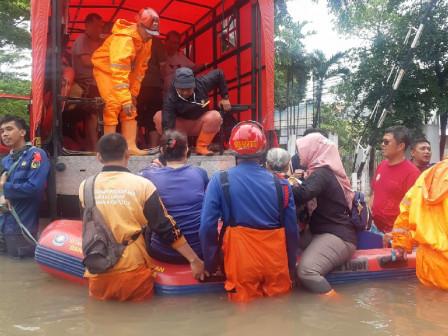 639 Flood Victims in East Jakarta Evacuated
