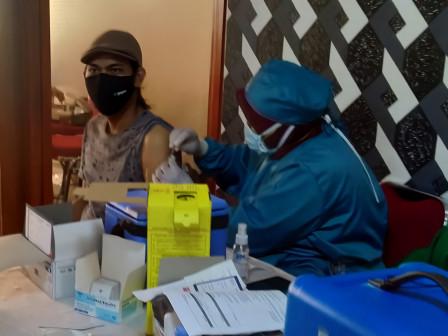 500 Warga Mendapatkan Vaksinasi di Pendopo Sahabat Aksi Adi Kunia Setiadi