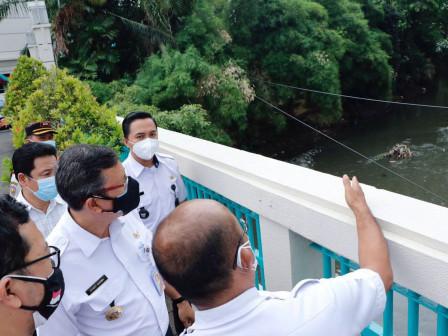 Walikota Jakarta Pusat Tinjau Penataan Kawasan Anak Kali Krukut