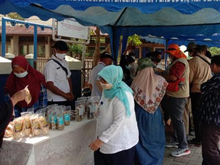 Peserta Bazar di Pulau Kelapa Dihimbau Tertib Prokes