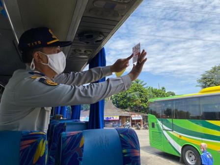 18 Personel Gabungan Gelar Pengawasan PPKM di Terminal Kampung Rambutan
