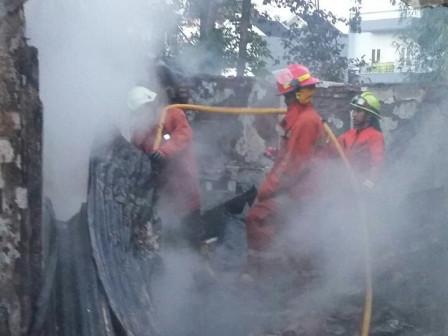Fire Razes 40 Homes in Bidara Cina