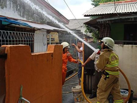Sudin Gulkarmat Jaksel Berhasil Padamkan Kebakaran di Jagakarsa