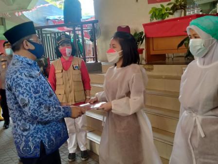 Penutupan Gebyar Vaksin di Jakarta Gems Center Ditandai dengan Pemberian Sertifikat