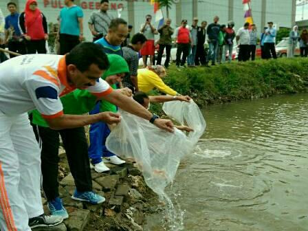 20,000 Seeds of Nila Fish Spread to Pulogebang Reservoir