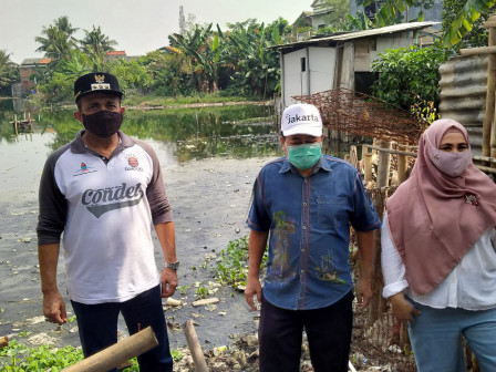Wali Kota Jaktim Tinjau Waduk Surilang