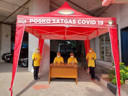 DWP Kabupaten Kepulauan Seribu Distribusikan Bantuan Tenda dan Beras