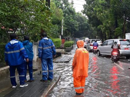 Genangan Setinggi 70 Sentimeter di Jalan Rasamala Surut