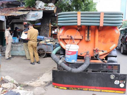 Sudin LH Jaksel OTT Pelaku Pembuang Limbah Septic Tank