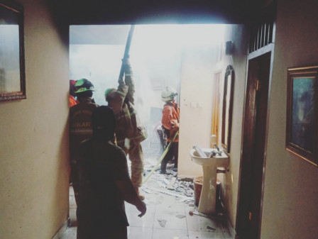 Tujuh Mobil Pemadam Atasi Kebakaran di Cipinang Melayu